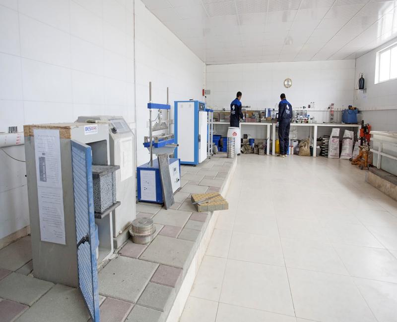 نمای کلی آزمایشگاه